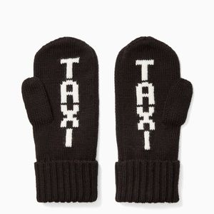 """Kate Spade """"TAXI"""" mittens. NWT!"""